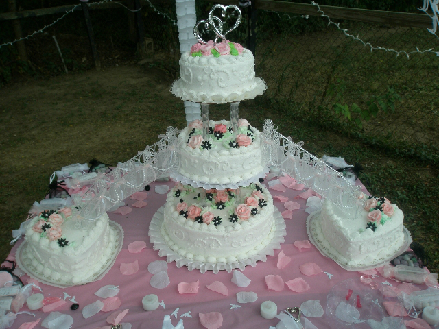 Outstanding Wedding Cakes with Fountains and Stairs 640 x 480 · 397 kB · jpeg